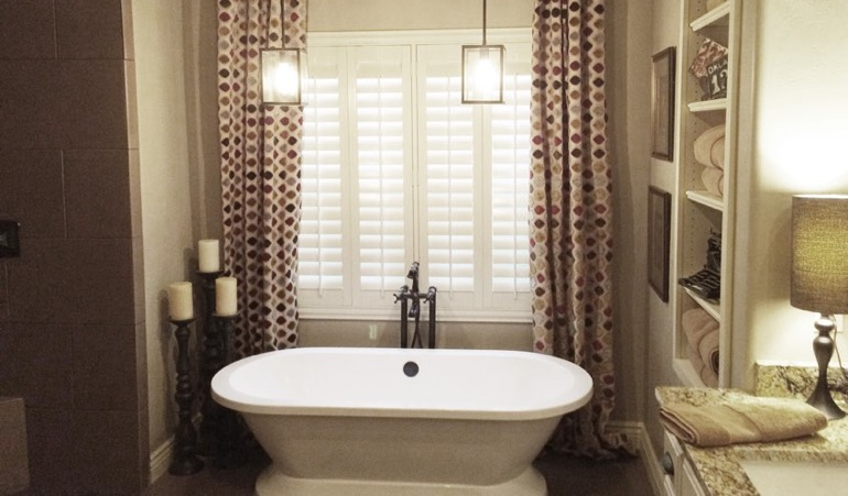 Polywood Shutters in New Brunswick Bathroom