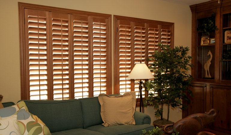How To Clean Wood Shutters In New Brunswick, NJ